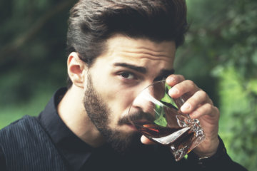 9 Reasons Dating The Smoking Hot Guy Is Totally Overrated