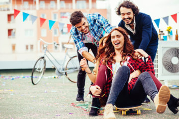 7 Unique Places To Meet Guys Who Aren't Lame