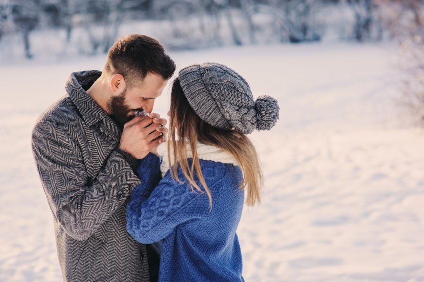 12 Reasons Not To Jump Into A Relationship Around The Holidays