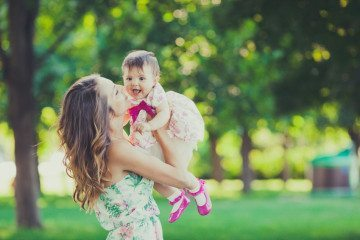 15 Ridiculous Things Single Moms Put Up With