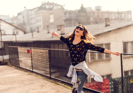 13 Ways To Let Go Of Your Past & Start Living In The Present