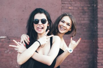 Is Your Best Friend Dumping You? 12 Sad Signs You're Getting Ditched