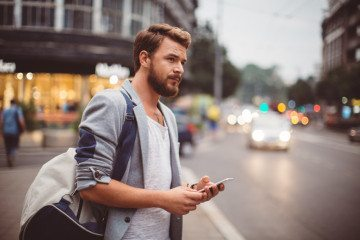 Annoying Guy Habits: 12 Signs He's the WORST at Texting