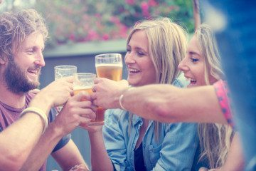 Help Your BFF Hook Up: How To Be The Best Wingwoman