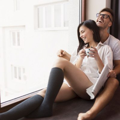 29 Actions and Body Language Clues That Show He Isn t Interested in You