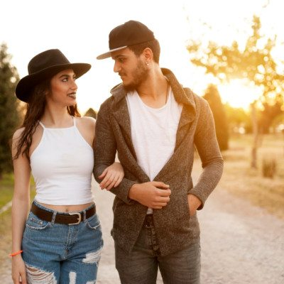 """8 Obvious Signs You're In A """"Passing The Time"""" Relationship"""