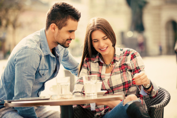 How To Tell From The First Date That He's Got Too Much Drama