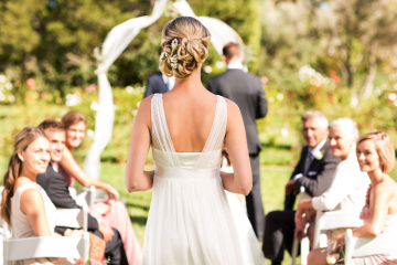 I'm Married But I Really Hate Weddings — Here's Why