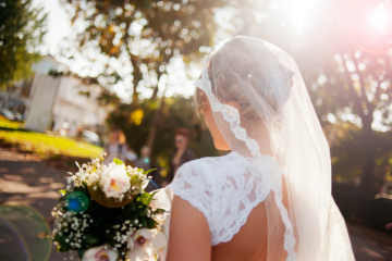 7 Illogical But Totally Real Thoughts I Had When My Best Friend Got Married