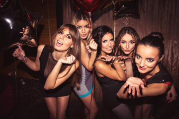 Why I Want To Be The Most Interesting Girl In The Room, Not The Hottest