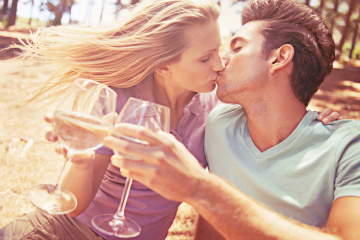 Opinion: First Dates Are Way Better When You're Drunk