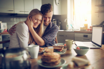 Are You Actually In A Healthy Relationship? 10 Ways To Tell