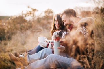 Dating A Romantic Guy? Here's Why You Hit The Jackpot