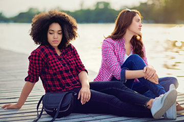 10 Signs Your BFF Stopped Caring About Your Friendship Once She Met A Guy
