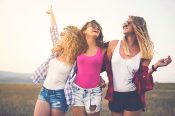 When You're Upset Because You're The Only Single Girl In Your Friend Group, Do This