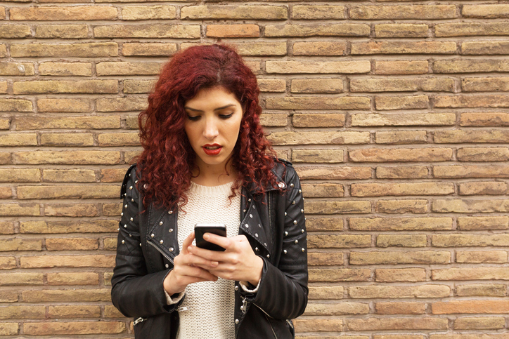 If He Sends You Any Of These Texts, RUN — He's Seriously Creepy