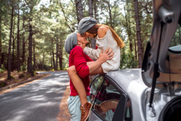 13 Things Guys Say To Get Laid That You Should NEVER Fall For