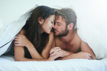 The Best And Worst Things About Sleeping With Someone For The First Time