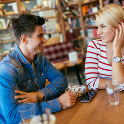 11 Bad Habits That Tank First Dates
