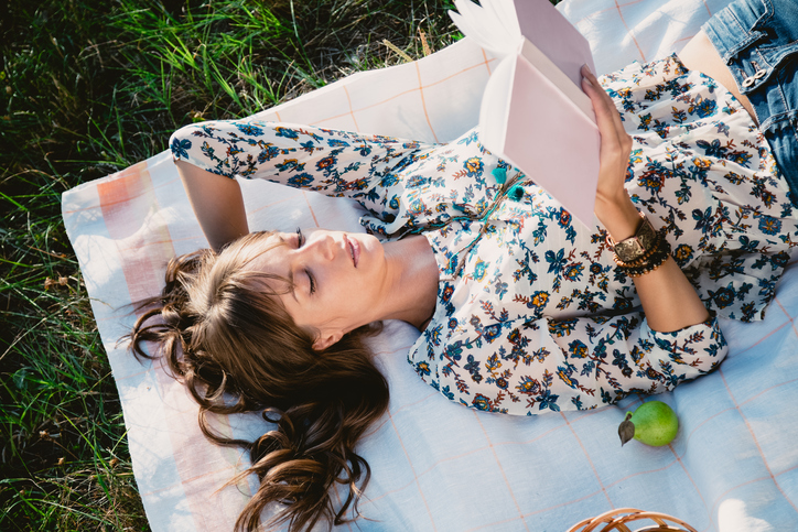 10 Things My Addiction To Self-Help Books Has Taught Me About Love & Dating