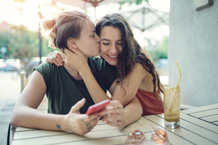 The Best Lesbian Dating Apps