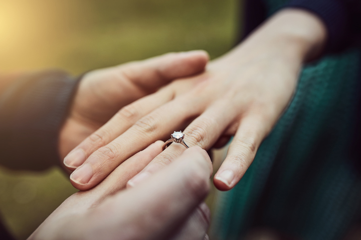 My Boyfriend Proposed Without A Ring—I Bought That Myself Later & It's NBD