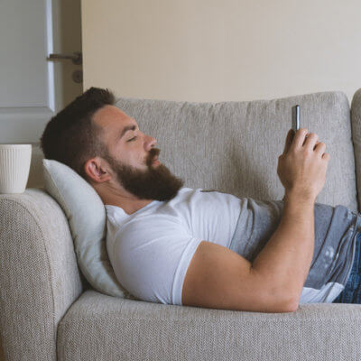 How To Tell When Your Boyfriend Needs Alone Time, According To A Guy