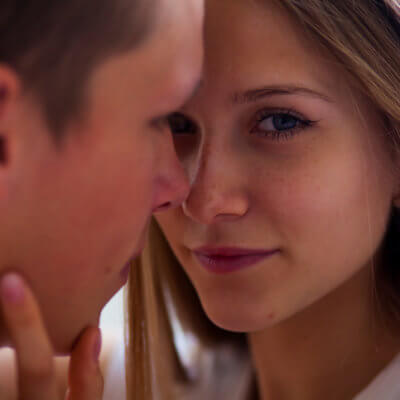 I Won't Give A Guy My Full Attention Until He's Proven Himself In These 9 Ways