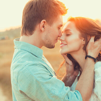 Science Says Women Smell Better To Men When We're Ovulating