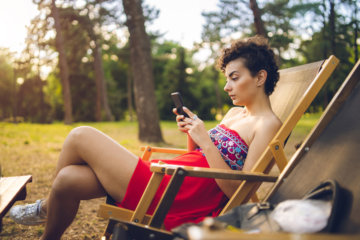 10 Signs Social Media Is Damaging Your Self-Esteem