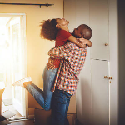 What To Know Before Moving In With Your Boyfriend, According To A Guy