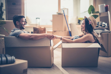 """Are You Guilty Of """"Cohabidating""""? Shacking Up To Save Cash Is Super Common"""