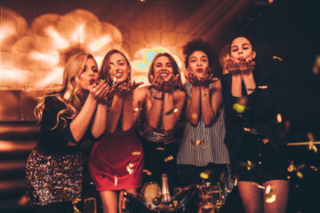 I Stayed Sober On A Girls Night Out & This Is What I Noticed