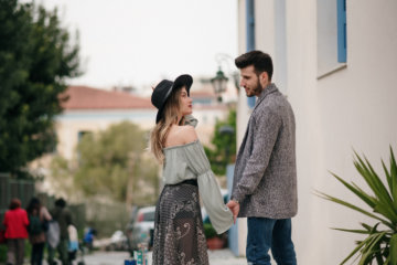 Is He Keeping You A Secret? 10 Signs No One Knows About You