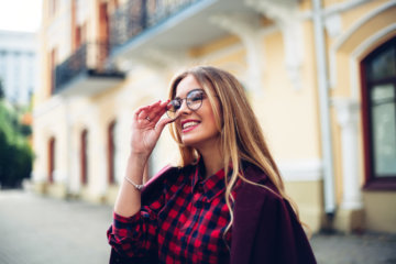 How To Get A Guy To Notice You Without A Lot Of Effort