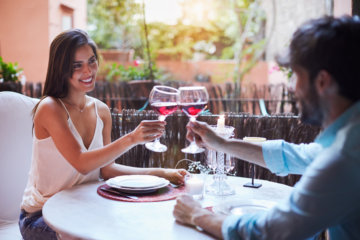 6 Things You Should Never Do On A First Date, According To Experts