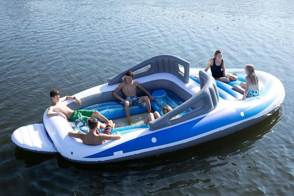 Want To Feel Rich? You Need This Life-Size Inflatable Speedboat