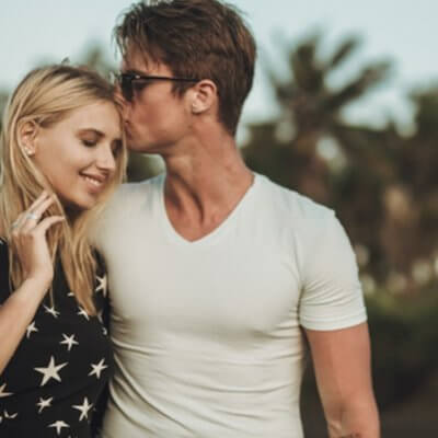 """Are You His """"Half-Girlfriend""""? 5 Signs You're Not Quite A Couple Yet"""