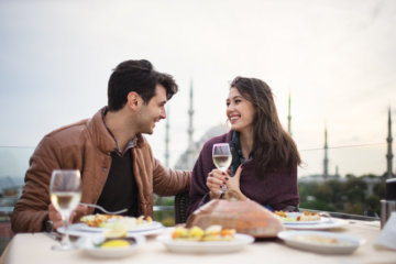 """""""Foodie Calls"""" Are Becoming A Big Problem In Dating—Are You Guilty?"""