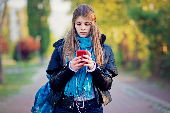 Dating App Users Are More Likely To Have Eating Disorders, Study Finds