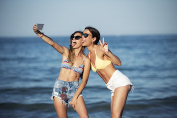 Ladies, Let's Vow To Stop Posting These 12 Types Of Selfies—They're Really Unhealthy