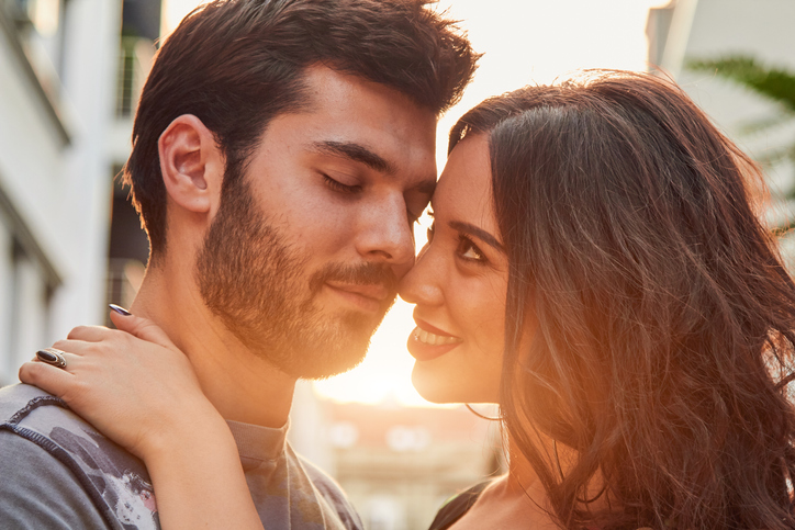 8 Signs It's Time To Take The Hint—He's Just Not That Into You