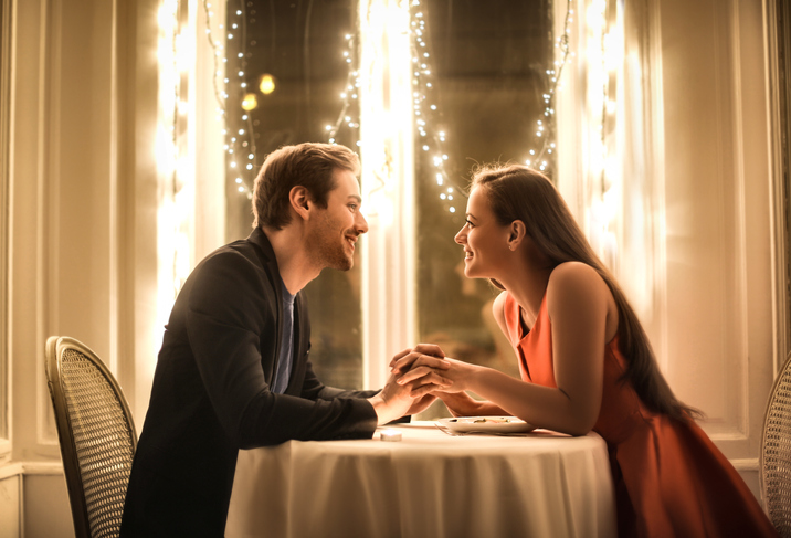 11 Signs You're Not His Only Date That Night