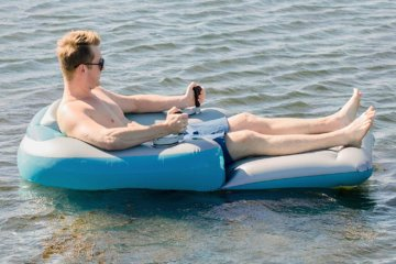 This Motorized Pool Lounger Will Let You Cruise Around Like A Millionaire