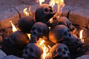 This Fireplace Skulls Will Complete Your Spooky Halloween Experience