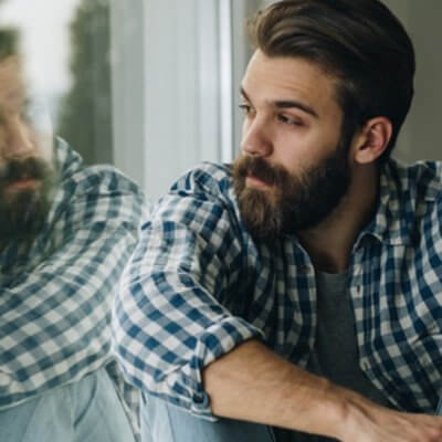10 Signs A Guy Isn't Into You, According To A Guy