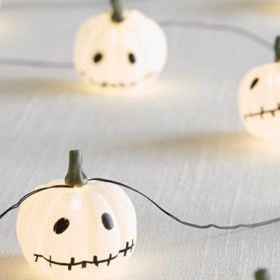 These Stringed LED Pumpkin Lights Are The Perfect Halloween Decoration