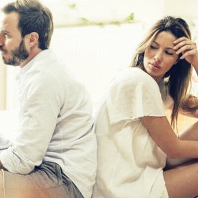 11 Ways Dating An Emotionally Unavailable Partner Destroys You