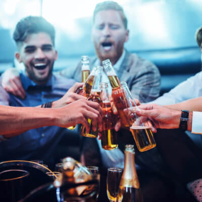 Women Fall In Love With Binge Drinkers Because They Seem Stronger & Healthier Than Average Men, Science Says