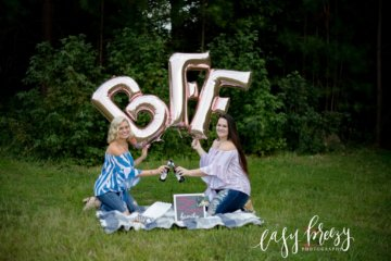 BFFs Celebrate 23 Years Of Friendship With Fried Chicken And Beer Photoshoot